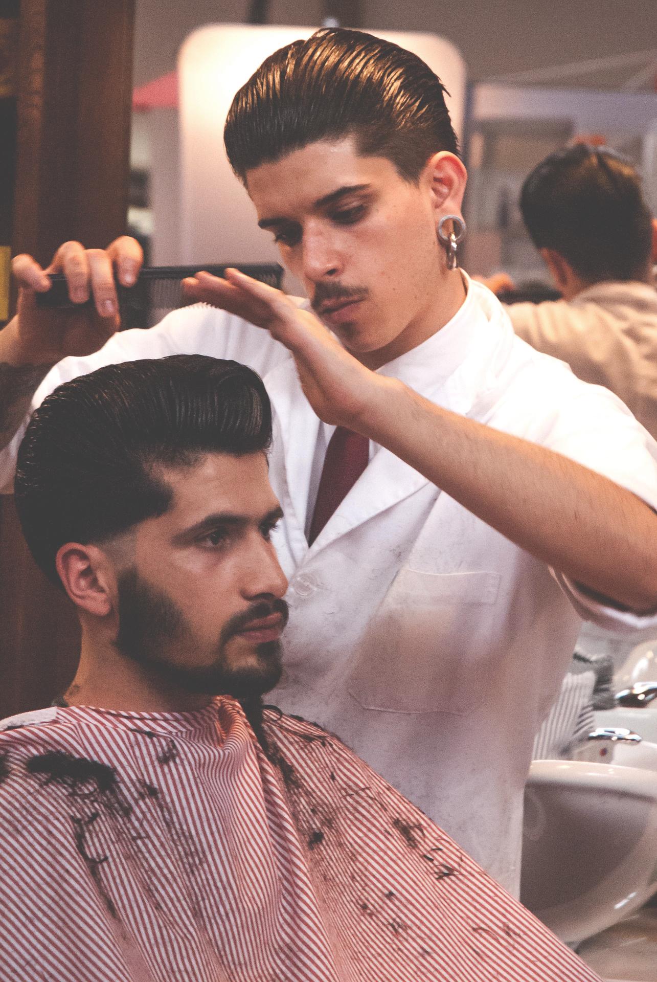 hairdresser-1311791_1920